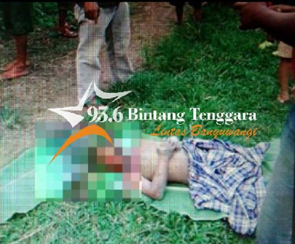 Jenazah Farhan bocah berusia 10 tahun asal Dusun Krajan, Desa Buluagung, Silragung yang tenggelam di Sungai Baru.